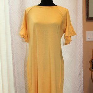 NWT a.n.a Dress Jurrasic Gold with fluted arms.